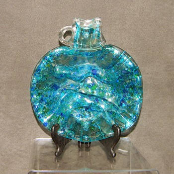 "1978? ""S.MARTINELLI & CO PATENTED REG."" Iridescent Glass Jug Dish HELP?"