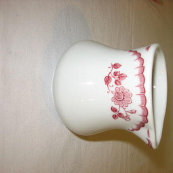 SHENANGO CREAMER PATTERN ID? - China and Dinnerware