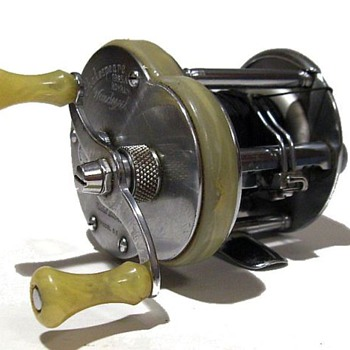 1946 -- SHAKESPEARE Silver-Nickel Reel - Fishing