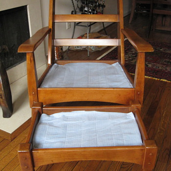 Unknown 1930's American craftsman armchair and ottoman - Furniture