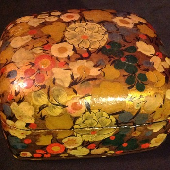 Indian lacquered paper mache box