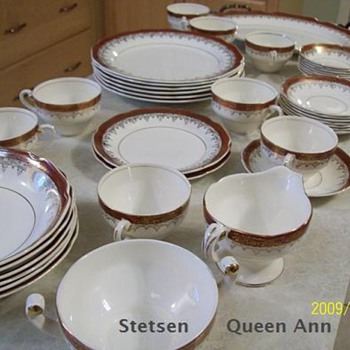 Vintage - 1938 Stetson 22K Gold trimmed Queen Anne China - China and Dinnerware