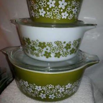 Pyrex Bowls and Casseroles - Kitchen