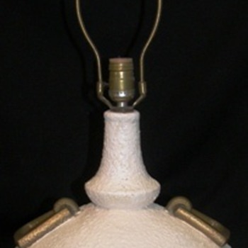 Dlas Mfr pottery style Mid Modern Lamp - Lamps