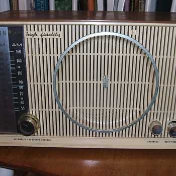 1950&#039;s Zenith AM/FM Hi Fidelity Radio