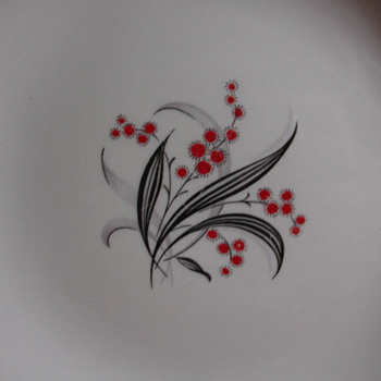 "WEDGWOOD PLATE 10"" ACROSS  unable to find name of pattern. - China and Dinnerware"