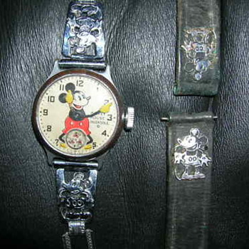 Late 1933-34 Ingersoll Mickey - Wristwatches