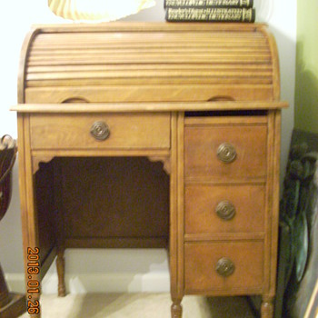 Student Secretary Desk??? - Furniture