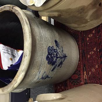 Crocks Seeking information any input welcome - Art Pottery