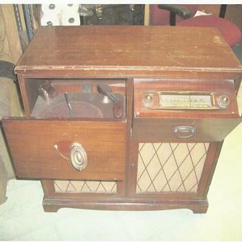 model 1037 sparton radio