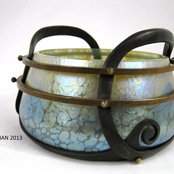 RARE LOETZ Art Glass Copper / Brass Mounted bowl, Thea with Blue Phänomen gre 85/5039 ca. 1902