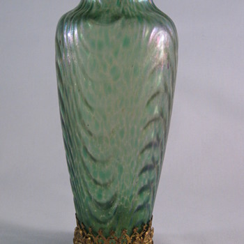 Beautiful Loetz Oceanik Art Glass Vase in Filigree Gold Metal Stand ca. 1902