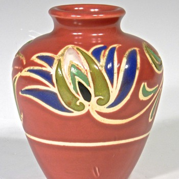 Unidentified Art Pottery Vase - Art Pottery