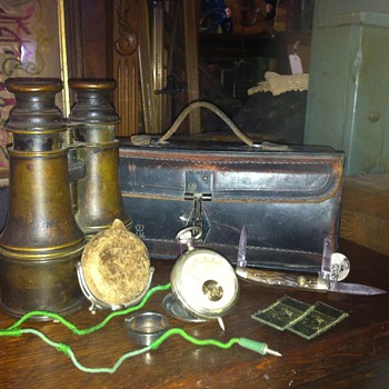 binocculars/war box/meter with leather case etc - Military and Wartime