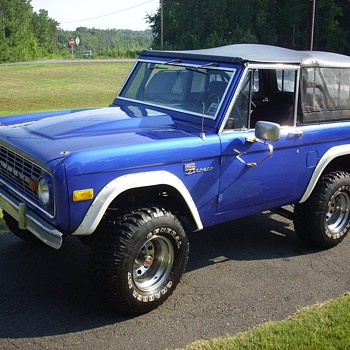 77 Ford Bronco - Classic Cars
