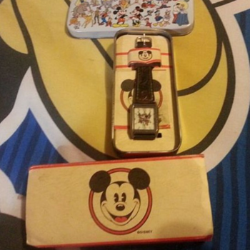 Vintage Disney Mickey Mouse Cowboy Pistols Watch With Original Box