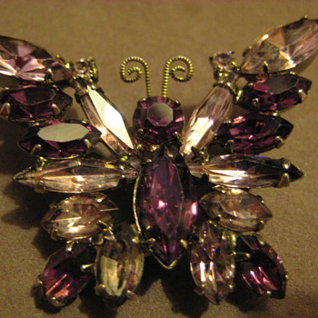 Juliana DeLizza &amp; Elster Butterfly Brooch Purple Lilac Stones - Costume Jewelry
