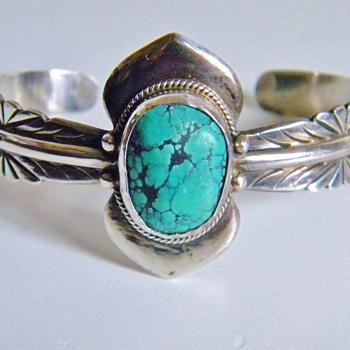 Beautiful Vintage Navajo  Seafoam  Turquoise  Silver Bracelet Cuff