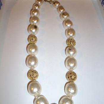 Miriam Haskell:) - Costume Jewelry