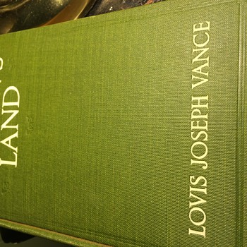 No mans land book.  Louis Joseph Vance  mis spelled name on cover - Books