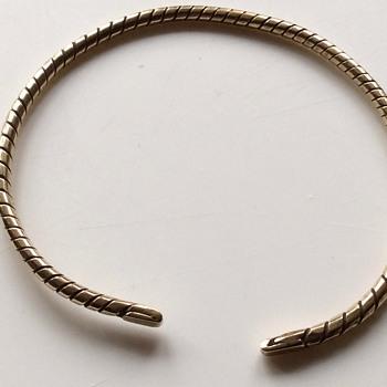 Vintage bangle  - Costume Jewelry