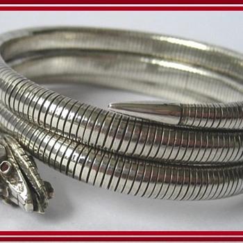 Stunning Art Deco Silver coiled flexible snake serpent bangle bracelet with ruby/garnet eyes - Art Deco