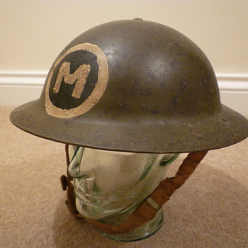 WW11 steel helmet, possibly North Africa - Military and Wartime