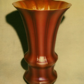 DURAND ART GLASS SHADE, circa 1928
