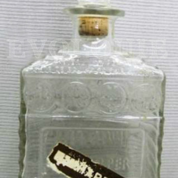 Clear Glass I.W.HARPER Liquor Whiskey Bourbon Wine Decanter w/Stopper