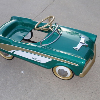 Midwest Industries  1957 Jet Hawk Studebaker pedal car - Model Cars