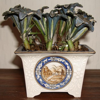 Porcelain Bonsai pot with plaster and metal flowers