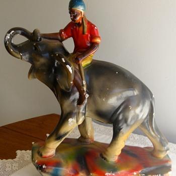 PORCELAIN ELEPHANT FIGURAL - Figurines