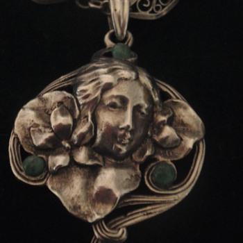 Art Nouveau 'Modesty' pendant, Lauer & Wiedmann