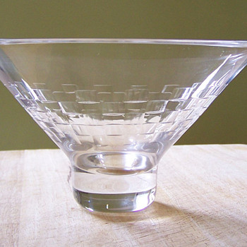 Lovely small Edinburgh Crystal bowl