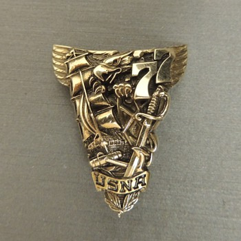 1977 United States Naval Academy Graduation Pin - Military and Wartime