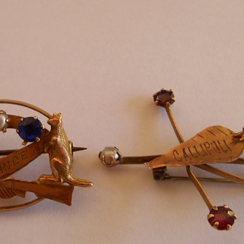 WW1 Australian Gold Sweetheart Brooches - Military and Wartime