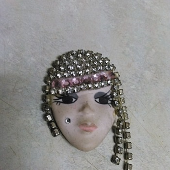 POTTERY FLAPPER GIRL PIN
