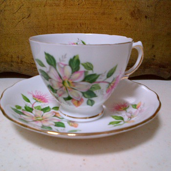 Vintage English China tea cup and saucer - China and Dinnerware