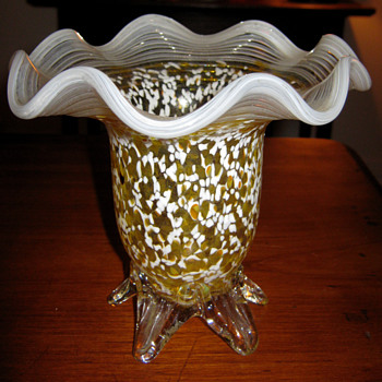Unknown Vase / Bowl - Art Glass
