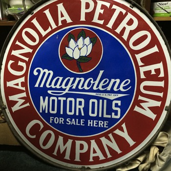 Magnolia petroleum sign - Petroliana