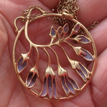 Norman Grant 9ct Gold & Enamel Pendant and Chain - Fine Jewelry