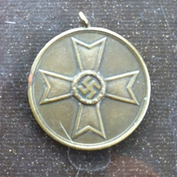 Nazi War Medal - Medals Pins and Badges