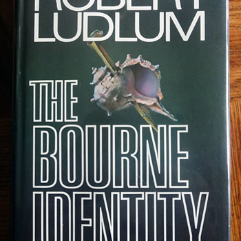 The Bourne Identity by Robert Ludlum - Books
