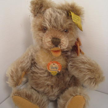 A Tiny Handful Of Steiff Teddy Bear Love  - Dolls