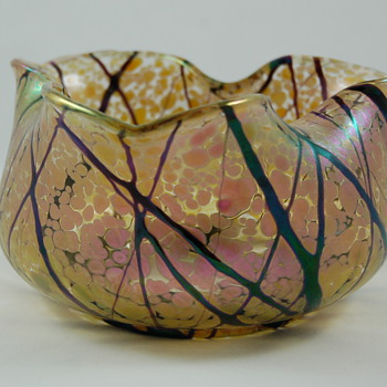 Art glass bowl