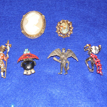 People and Cameos Lot of Pins and Brooches  - Costume Jewelry