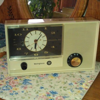 Westinghouse H916L5 Spotlighter Clock Radio