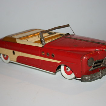 ML Cabriolet tin toy