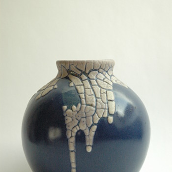 "nice pottery vase with ""snake skin"" glaze by LEON POINTU"