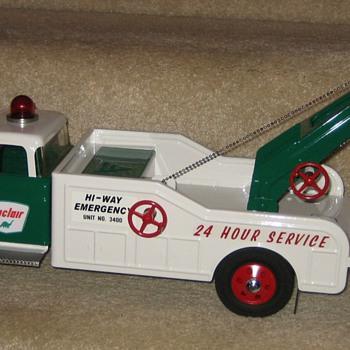 Custom NYLINT Ford F350 Sinclair Heavy-Duty Hi-Way Emergency Wrecker - Model Cars